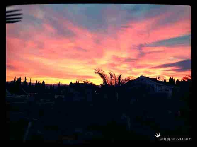 Κάποιες μέρες βλέπουμε και τέτοια στον ουρανό μας :)