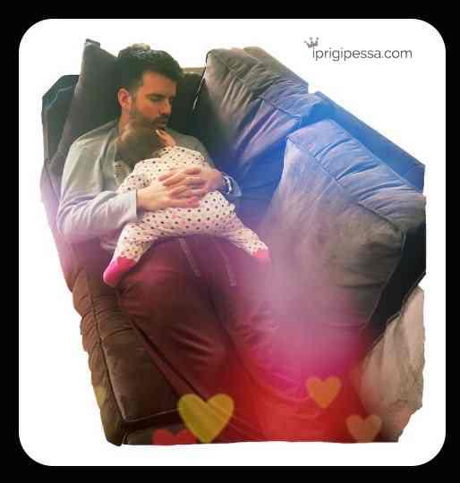 Πως γίνεται οι μπαμπάδες να μπορούν να ξεχάσουν όλα τα άγχη της δουλειάς και να κοιμηθούν όπου βρεθούν μέσα σε 5 λεπτά και ενώ υποτίθεται ότι κρατάνε τα παιδία;;;