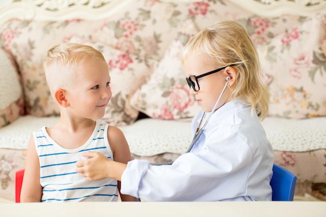 Αναζητώντας τον ιδανικό παιδίατρο στο εξωτερικό δεν είναι πάντα εύκολο -ούτε και στο εσωτερικό εδώ που τα λέμε :) Ωστόσο, κοίτα να δεις που το βρήκα εδώ πρώτα!