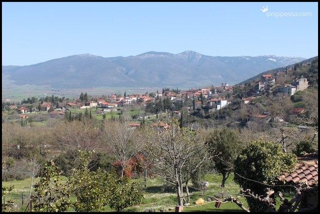 Τα υπέροχα Ελληνικά χωριά - είτε στη θάλασσα, είτε στο βουνό, κάθε Άνοιξη γεμίζουν ζωή