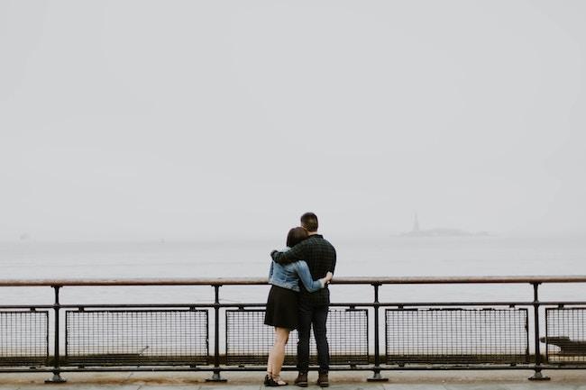 """Το πιο σημαντικό στοίχημα για το ζευγάρι μετά τον ερχομό των παιδιών, είναι να καταφέρουν να """"μείνουν' μαζί, στον ίδιο """"κόσμο"""", και στον ίδιο """"δρόμο"""", όσο άβολος και άχαρος να είναι ώρες ώρες."""
